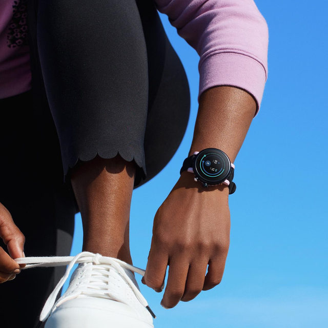 our new sport smartwatch. on your mark, get set 🏃🏼♀️ go get it. #katespade #loveinspades