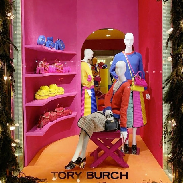 Our Madison Ave Store Windows #ToryBurchHoliday19 #ToryBurchinColor #ToryBurch