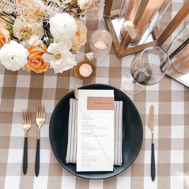 So very thankful to be invited as part of your table. Seeing you all create magic with our linens is the best! Like these layers of lovely with our #lymechecklinen in Taupe and #prairielinen napkins in Black/Natural from @inesandmarieevents 🌾🍂🏵️ #falltables might be our favorite 😍 Venue: @cornmanfarms Flatware: @fabulous_events #latavolalinen #transformyourtable #checkpattern #warmcolors #taupe #tuapeandblack #tablescape #tablesetting  #thanksgiving #thanksgivingdecor #thankful #dextermichigan #michigan #allinthedetails