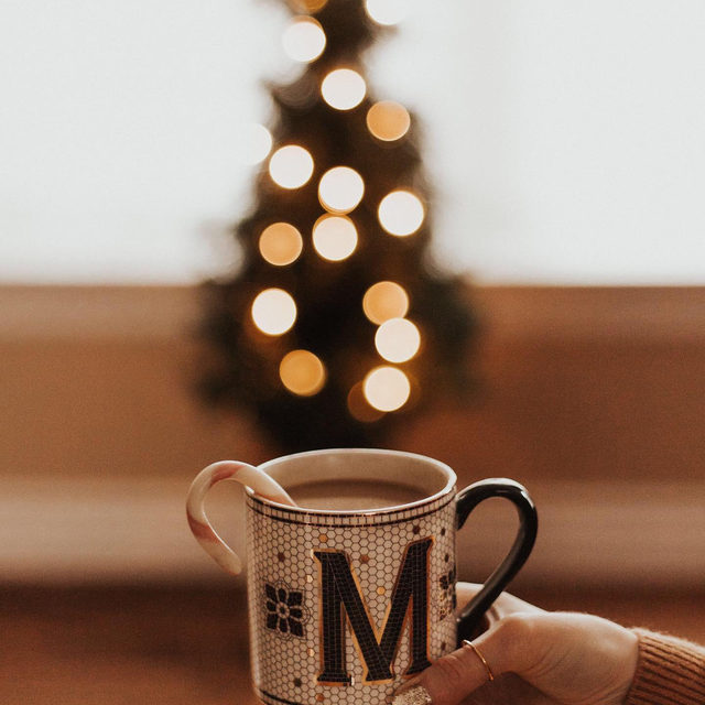 May your mornings be merry, monogrammed & bright 🌟 Photo by @picture.it.pretty (link in profile to shop)
