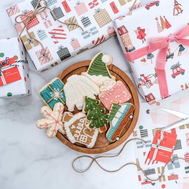 Happy #NationalCookieDay! No better way to celebrate than with @jennycookies' delicious treats inspired by Minted's wrapping paper designs. What's your favorite cookie recipe? 😋🍪 Designs by @vivianyiwing, @pixelandhank + Susan Brown.