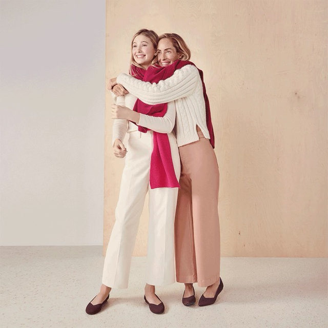 Keep it cute and cozy this season. 👯♀️