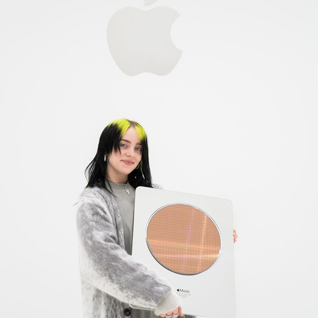 Happy Birthday to our 2019 Artist of the Year, @billieeilish. This is only the beginning. Relive her performance from the Steve Jobs Theater, only on Apple Music. Link in bio. #AppleMusicAwards2019