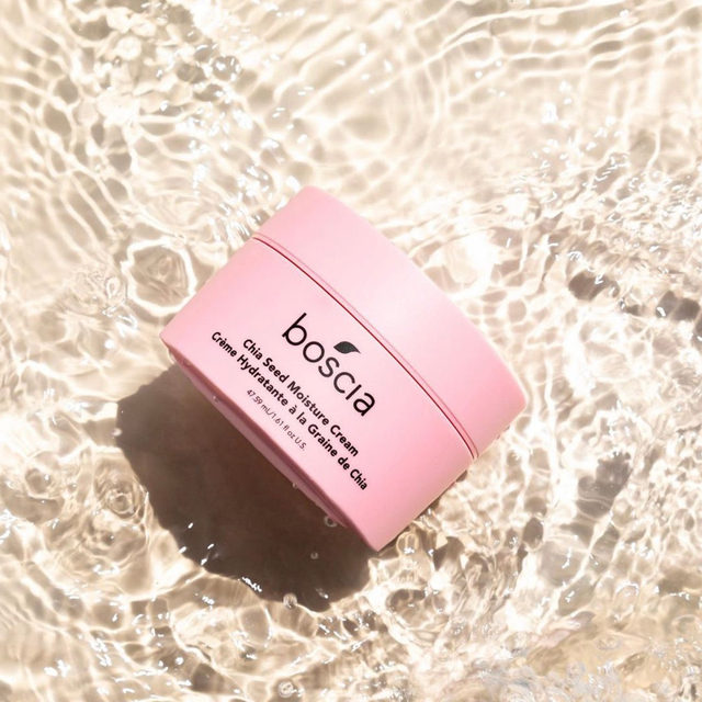 colder temps = skin gets drier ❄️ get long-lasting hydration with @boscia's Chia Seed Moisture Cream! it's packed with chia's seeds essential phytonutrients + omega-3 fatty acids that instantly hydrate + nourish while preventing dehydration - link in bio to 🛍️