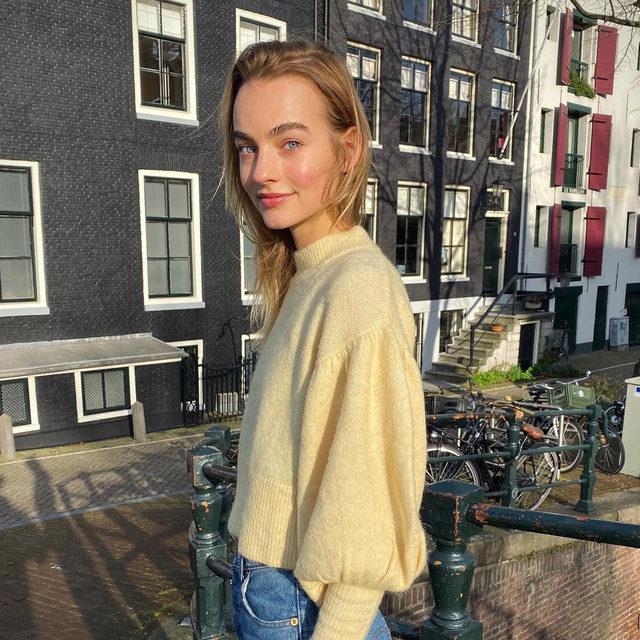 @maartjeverhoef in our recycled knit 💛 #BaumFamily . #BaumundPferdgarten