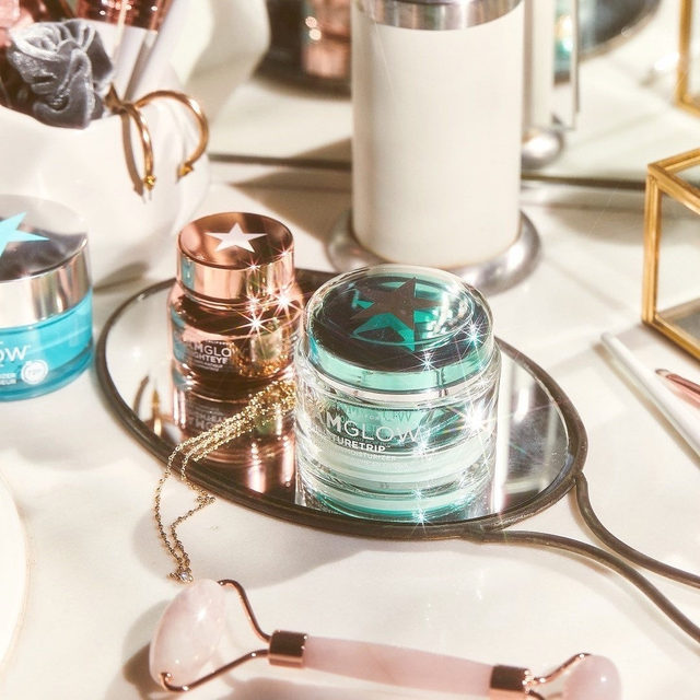 Q: what can I use to brighten my under eye area that works well with concealer? 🤔 A: @glamglow's new BrightEyes Illuminating Cream instantly brightens dark circles, hydrates, helps reduce the look of fine lines + absorbs quickly into the skin, so it will keep your makeup perfectly in place! - link in bio to shop