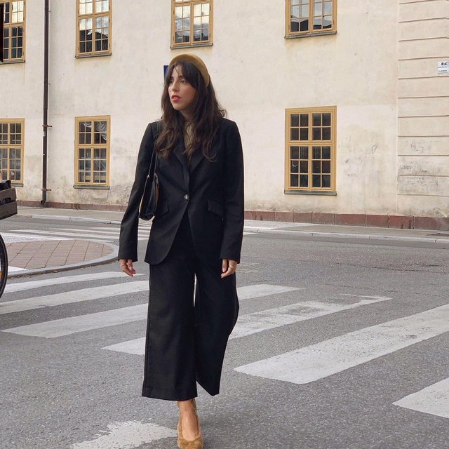 @saniaclausdemina in our Beyonce blazer and Nilina trousers 🖤 #BaumFamily . #BaumundPferdgarten