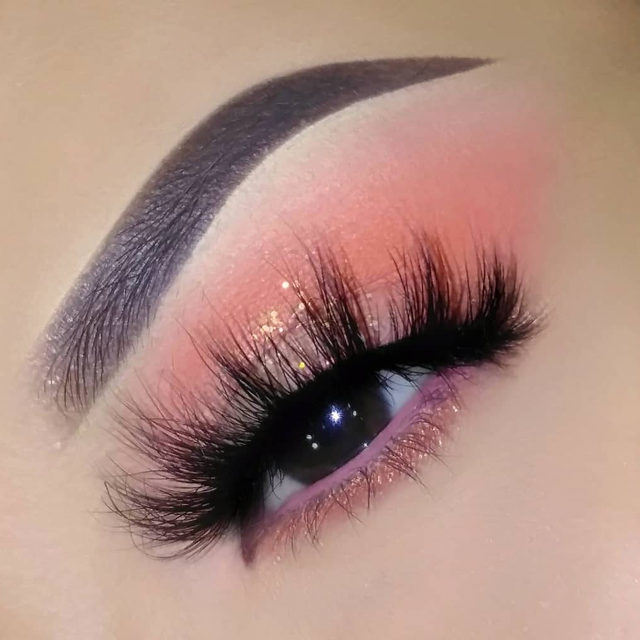 How do you like them peaches 🍑  We're actually enchanted by @enchantingbeautymua with this peachy blend, paired with our Fluff'n Glam lash in the style SHE-E-O 😍  Tap to shop the look!  #VelourLashes #VelourBeauty #LiveInLashes #FluffnGlam