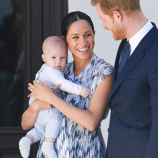 🚨: Meghan Markle and Prince Harry have decided to step down as senior royals...and that's not the only major family decision they're making. 👀 Head to the #linkinbio for more details. | 📸: @gettyimages