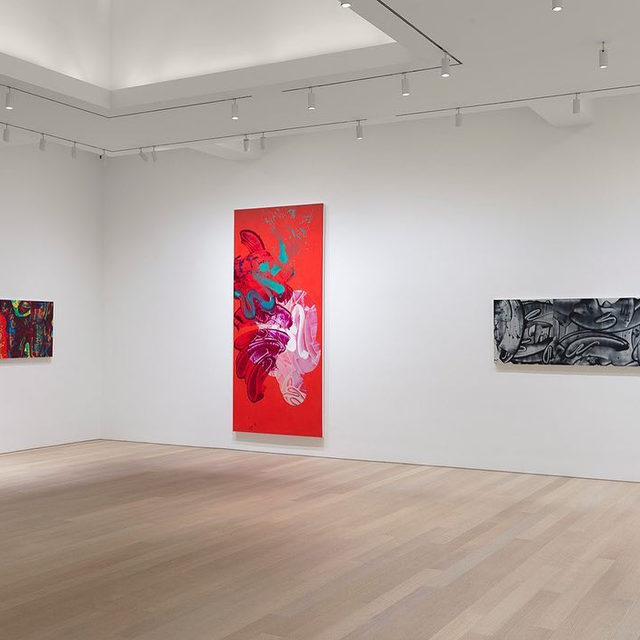 """#DavidReed: An exhibition of new paintings by David Reed is now open at Gagosian, Madison Avenue, New York.  This is Reed's first exhibition of new work with the gallery, following a 2017 presentation of mid-1970s paintings in """"Painting Paintings (David Reed) 1975."""" The outsize works in the current show, some over a decade in the making, respond to the galleries at 980 Madison Avenue, testing and maximizing their spatial boundaries. The works are painted in either intense, otherworldly colors or primarily blacks and grays. Their graphic and glazed foundations are built up, and carved into, using a variety of seemingly spontaneous—though sometimes highly manipulated—painterly gestures, in layers of transparent paint that create a visual tension with the underlying structure. Find out more via the link in our bio.  __________ #Gagosian Installation views, """"David Reed: New Paintings,"""" Gagosian, 980 Madison Avenue, New York, January 10–February 22, 2020 © 2020 David Reed/Artists Rights Society (ARS), New York. Ph"""