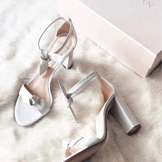 Perfect choice to star the week in: The Clarita  #AlexandreBirman #Sandals #Clarita