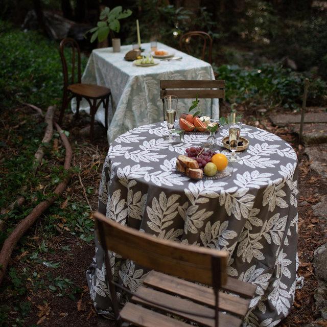 Our new #georgialinen in Greystone and Powder 🌿 #latavolalinen #latavola2020ss #transformyourtable #soloverly #outdoorwedding #weddinginspo #santacruz #santacruzwedding #naturaldetails #romanticwedding