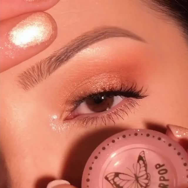 It's All Good ✨  Happy Humpday Velour Fam! What exciting plans do you have scheduled for the weekend? 🤩 Let us know down below 😘  @whitneykshepherd created this lovely soft glam with our No Drama lashes from our Effortless Collection.  Our Effortless Collection is available online & in-store at @sephora. Tap to get the look! ❤️ #VelourBeauty #VelourLashes #LiveInLashes #EffortlessLashes #SephoraExclusive