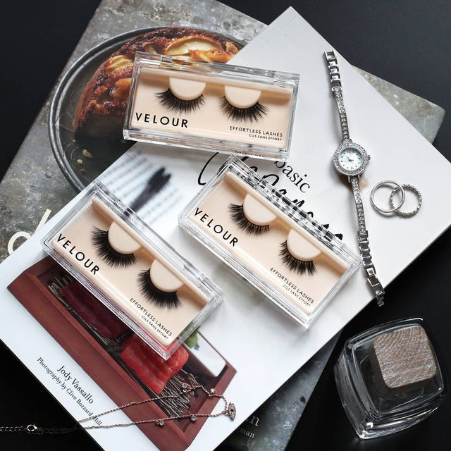 Just the bare necessities 😌  What's your favourite accessory you like to style yourself with?  We love cute little rings but we love our lashes even more! Our Effortless collection adds the perfect finishing touch without taking away from your look. Call it an enhancement if you will 😘❤️ Our Effortless Collection is available online & in-store at @sephora. Tap to get the look! ❤️ #VelourBeauty #VelourLashes #LiveInLashes #EffortlessLashes #SephoraExclusive