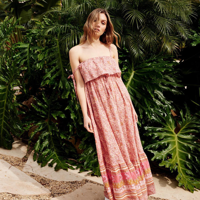 Let's get tropical. All you have to do is add the Tangier Babydoll Midi Dress to cart.