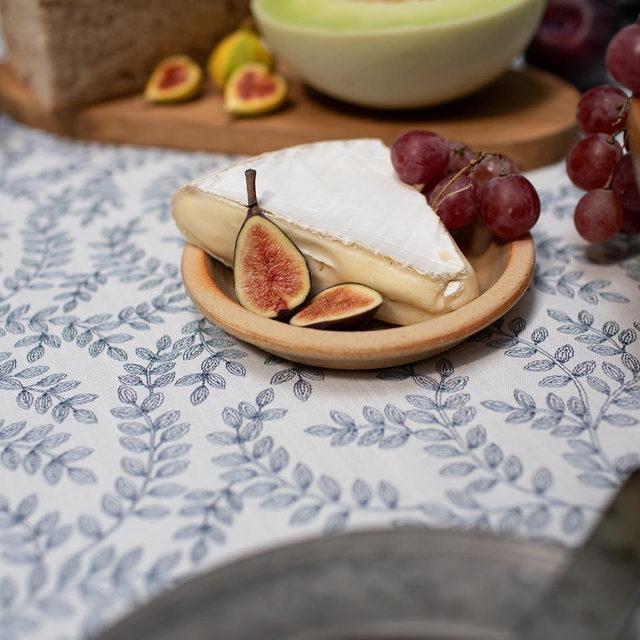 Our NEW #luisalinen in Navy 🍇🍓🧀 #latavolalinen #transformyourtable #embroidery #leafpattern #freshfruit #somethingblue #figs #latavola2020ss #losangeles #losangeleswedding