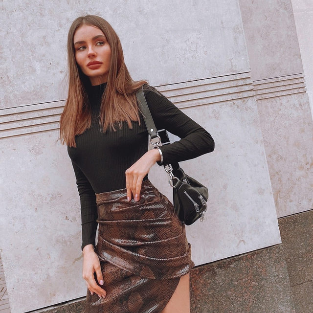 it's rude to stare 💅 @shepelevich in the Bree Skirt - link in bio #AlwaysA10