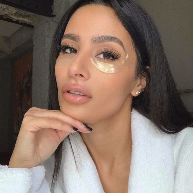 who knew fighting dark circles could look this good? 💫 @kendallaberdeen uses @kncbeauty's retinol-infused Star Eye Masks to brighten, smooth + hydrate her under eye area - link in bio to shop