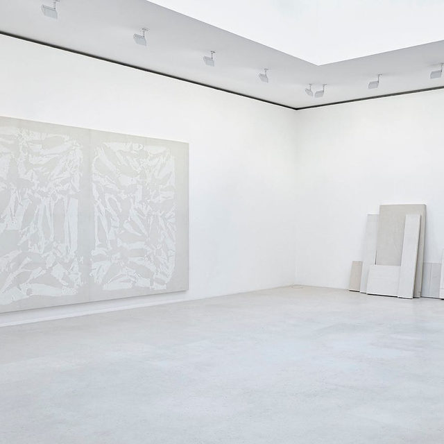 """#BlancsurBlanc: The group exhibition, """"Blanc sur Blanc,"""" is currently on view at Gagosian, Paris, through March 7.  A century ago, Kazimir Malevich's Suprematist paintings heralded a revolutionary new interpretation of white, in which total abstraction suggests the utopian and the infinite. Since then, artists have deployed the achromatism of whiteness in an endless range of formal and symbolic ways, evoking states of emptiness and effacement, and summoning the raw potential of the blank page.  Working in different contexts and with different ends in mind, the artists in """"Blanc sur Blanc"""" find unexpected power and substance in what appears at first to be an absence or lack. Learn more via the link in our bio.  __________ #Gagosian Installation views, """"Blanc sur Blanc,"""" Gagosian, Paris, January 16–March 7, 2020. Photos: Thomas Lannes (1) Artwork, left to right: © Archives Simon Hantaï/ADAGP, Paris; © Rachel Whiteread; (2) Artwork, left to right: © Fondation Lucio Fontana, Milano/by SIAE/ADAGP, Paris, 2020; © C"""