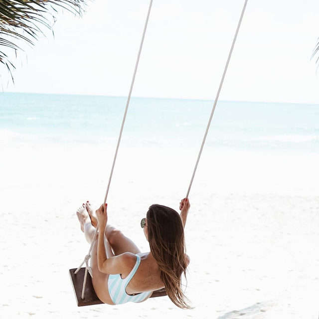 swinging into the weekend 🕊️ @laurenmerc in the Axel -  link in bio to shop! #lovewave