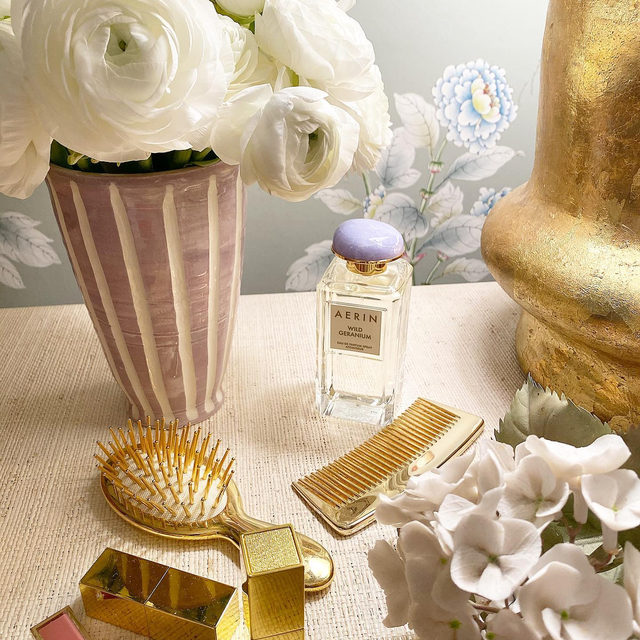 Saturday morning with our newest fragrance Wild Geranium.. and our @aerin Francis Palmer exclusive lilac vase.. #AERINbeauty