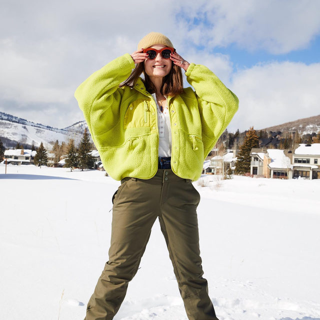 Professional snowshoers at your service. @alisonsyrettcleary in the Hit the Slopes Jacket.