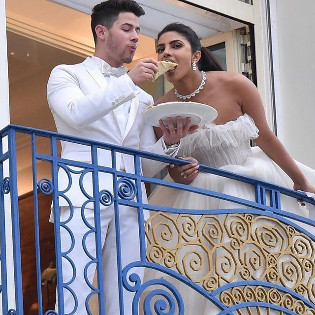 """Feed me pizza so I know it's real.🍕❤️ Head to the #linkinbio for 19 other signs you've found """"the one."""" 💍 