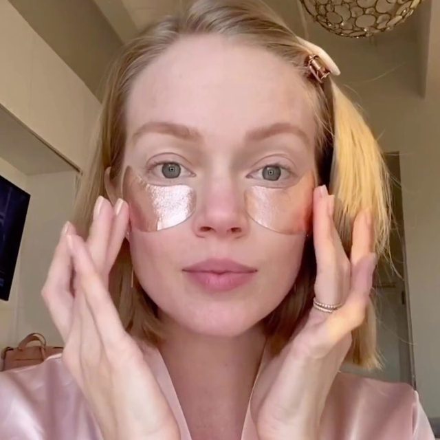 send tired eyes packing with @wander_beauty's Baggage Claim Rose Gold Eye Masks ✈️ head to our IG Stories to see @lindsellingson share her nighttime routine for hydrated, glowy skin - link in bio to shop her faves