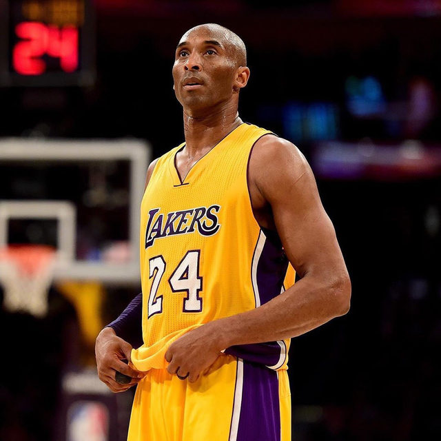 Kobe Bryant, the NBA star, Oscar winner, and pop culture icon, died in a helicopter crash Sunday at the age of 41. 💔 Full story at the link in bio.  Update: Los Angeles authorities report eight other passengers, including Bryant's 13-year old daughter Gianna Maria, were also killed in the crash. Our thoughts are with the Bryant family and all those affected by this tragedy. This is a developing story.