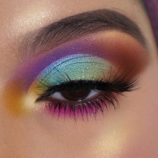 🌬️ Can you paint with all the colors of the wind?  @shabiha_islam caught all the colours of the rainbow in this technicolored look paired with #WINGing. 🌈  Tap to shop the lash!  #VelourBeauty #VelourLashes #LiveInLashes