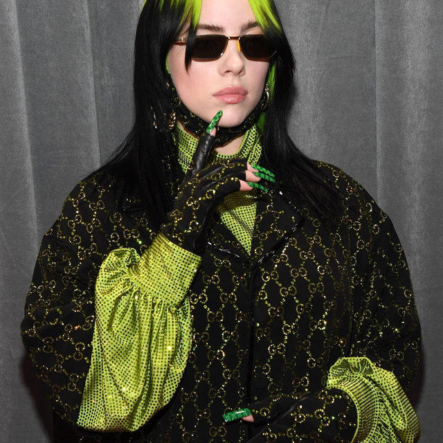 Big winner at the #Grammys 2020 @BillieEilish definitely knows how to capture our attention: discover via link in bio the amazing @Gucci manicure for the event and our favorite outfits worn by the singer over the years.