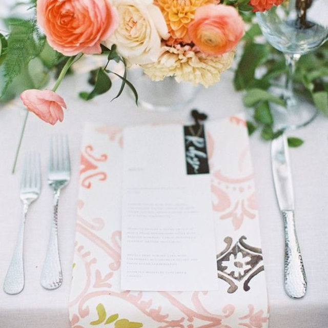 Such a sweet set up with our #tuscanylinen in White with #eleanorlinen napkins in Blush 💕💕 From @lvlweddings and @twfloraltruck 📷 @brittrenephoto #latavolalinen #transformyourtable #pink #thinkpink #watercolorpattern #floraldesign #weddingdetails #carmelvalley #carmelbythesea #carmelwedding