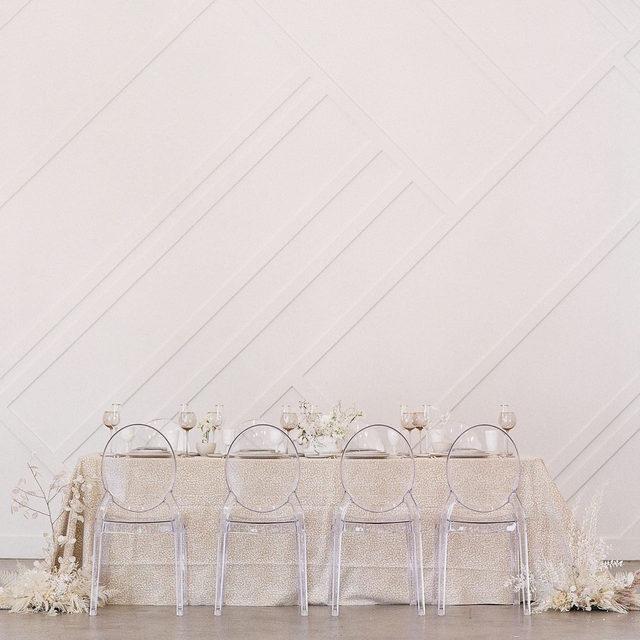 A neutral take on #animalprints with our #trekslinen in Fawn 👡🍨🕯️From @lisagaskarth @eightsevenevents� and @floraltique 📷 @levie_photography �#latavolalinen #transformyourtable #neutralcolors #neutralwedding #taupe #animalprint #californiawedding #losangeleswedding #losangeles #burbank #weddingstyle #modernbride #modernwedding