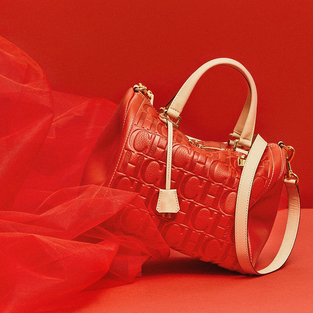 Leave the #CHSello seal of Carolina's initials over Locked #CHAndyBag #CHRed