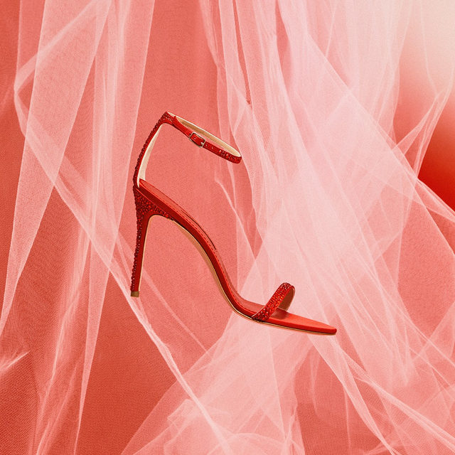 It takes two to tango. #CHRed #CHShoeLove