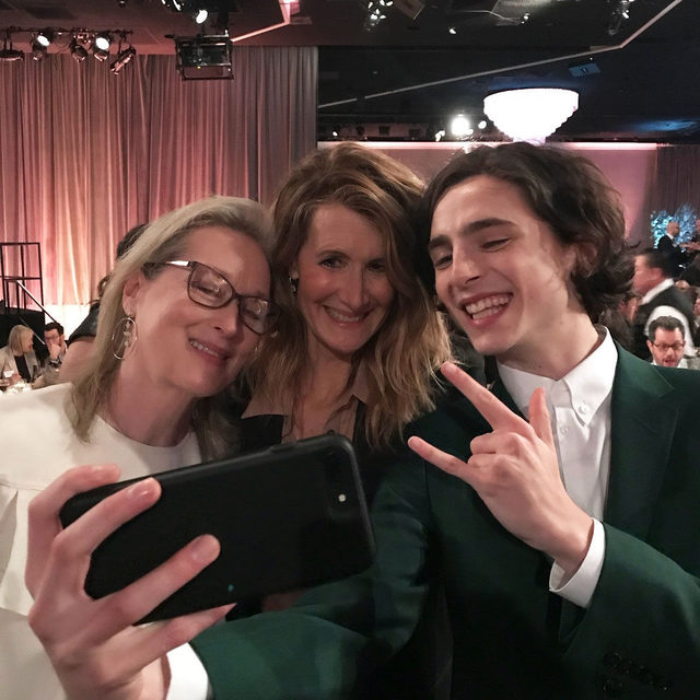Here's hoping for more selfie moments like this at the #Oscars tomorrow. 🙏 regram: @lauradern