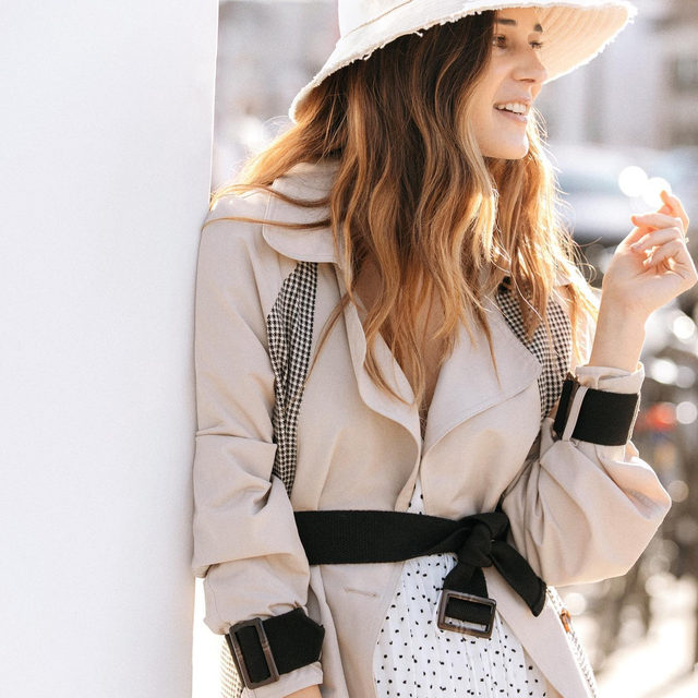 There's more than one way to wear a chic spring trench! Stop by our Stories for styling ideas 💡