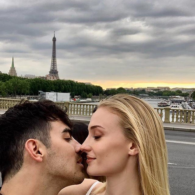 Sophie Turner and Joe Jonas are reportedly expecting their first child together and we're freaking out. ‼️ Tap the link in bio for what we know so far. photo: @sophiet