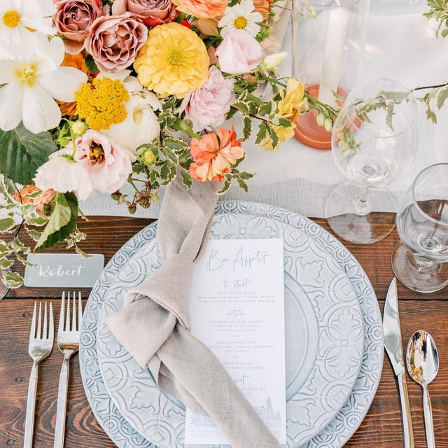 Well this just makes us happy 🌸💕🌼With our #auroralinen table runner in White and #tuscanylinen napkins in Natural from @jennrobirdsevents and @organicflora 📷 @janinelicarephotography featured on @stylemepretty #latavolalinen #transformyourtable #brightcolors #springwedding #tablerunner #linen #linennapkins #laketahoe #laketahoewedding #homewood #californiawedding #colorfulwedding #springcolors