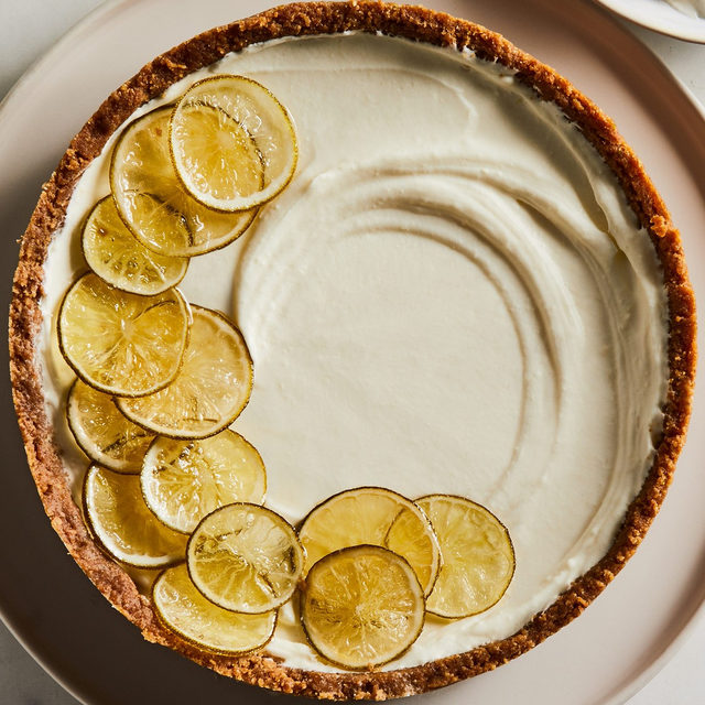 Not a baker? No sweat. Columnist @ericjoonho has 3 go-to, foolproof desserts perfect for an easy weekend baking project. This cheesecake with a fluffy duvet of lime-tart cream, for instance, doesn't even require an oven! How's that for approachable? 🍰 Grab this recipe and Eric's 2 others via the link in bio. 📸: @rockyluten