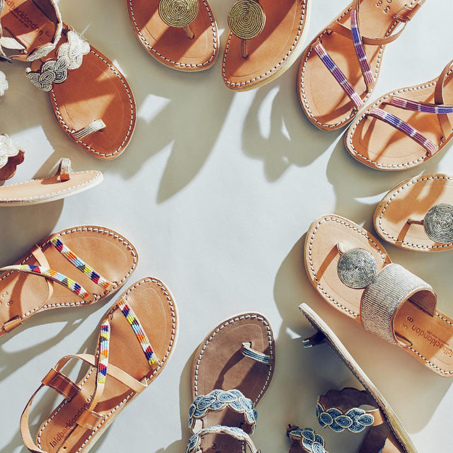 Weekend getaway? Which pedi-worthy pair will you pack? (link in profile to shop)