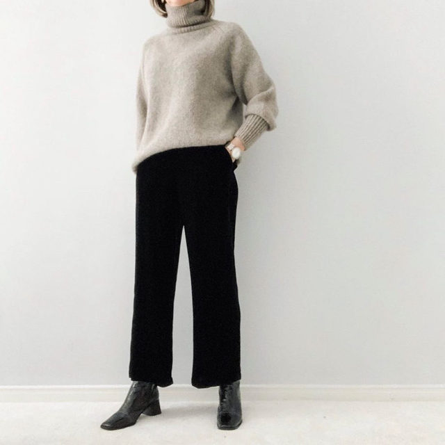 @thisisfiftysomething knows velvet isn't just for the holidays. Here she pairs our Velvet Wide-Leg Ankle Pant with a sweater from her own closet. Tap to shop the pant and click the link in our bio to see sweaters to wear with them.