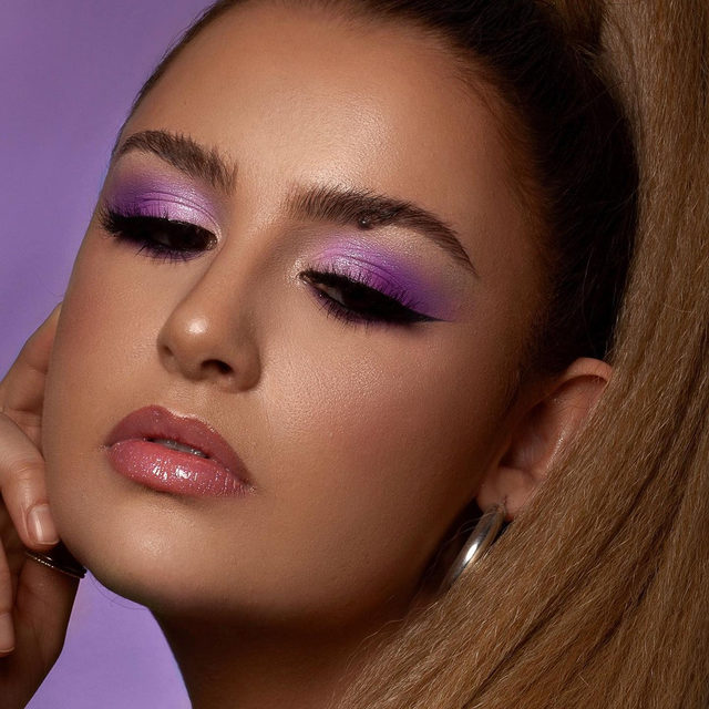 Are you guys enjoying the new collection sneak peaks? What are your thoughts on it so far? 😘💖 @ceciliaamakeup created this gorgeous orchid look with the style Feelin' Myself, and we're dying over how stunning it is! 💜  🚨 PROMO ALERT: All throughout the month of February, our Lash Vanity will be 𝟱𝟬% 𝗢𝗙𝗙. YES, you heard that right, 𝟱𝟬% 𝗢𝗙𝗙! You better snag one now, because once they're gone, they're gone for good. 🚨   ⭐ Click the link in our bio to shop ⭐   No code required, all sale kits are final sale. ✌️   #VelourLashes #VelourBeauty #LiveInLashes #LashVanity #NaughtyButNice  📸: @meaghanwozniaak