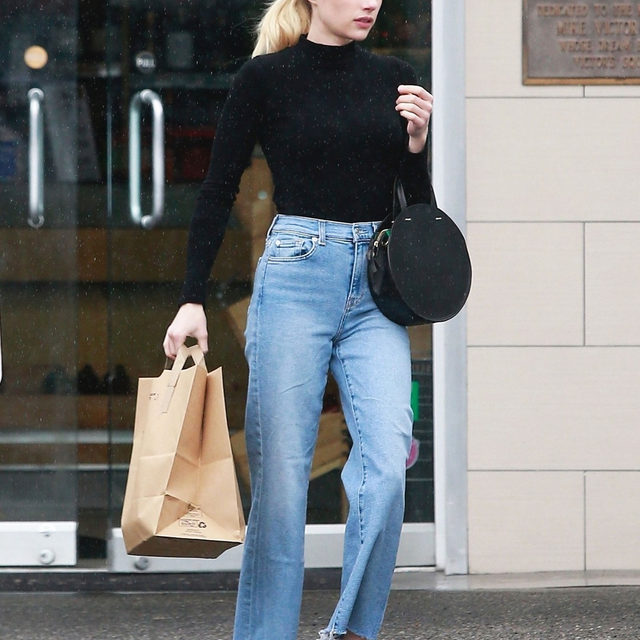A good t-shirt 'fit never fails us. From cropped tees to mock necks, tap our link for the 9 perfect tees celebs always throw on with jeans. photo: backgrid
