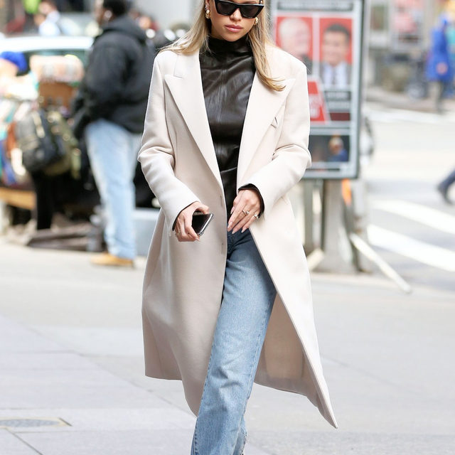 An A+ outfit from @sofiarichie. Tap the link in bio to get her covetable under-$100 slim straight jeans before they inevitably sell out again. photo: splash news