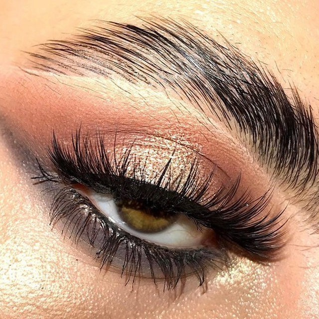 Get Glowing! 💫 @_faithxful wearing our Baked Gelato Swirl Illuminator in Gilded Honey as eyeshadow. . . . #lauragellerbeauty #laurageller #bakedmakeup #highlighter #theauthorityinbaked #bakedgelatoswirl.