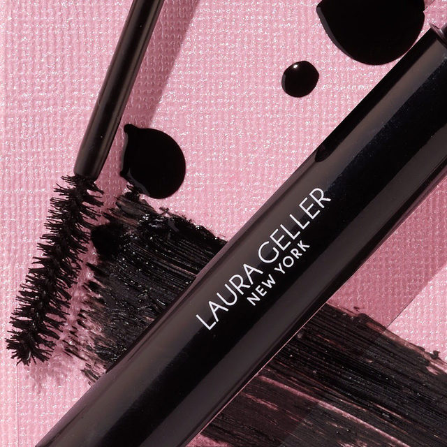 FOR LASH BOSSES ONLY 💁♀️ Thicken up your lashes with LashBOSS Bold Mascara. . . . #lauragellerbeauty #laurageller #mascaragoals #mascara #lashlove #lashbossmascara #lashboss