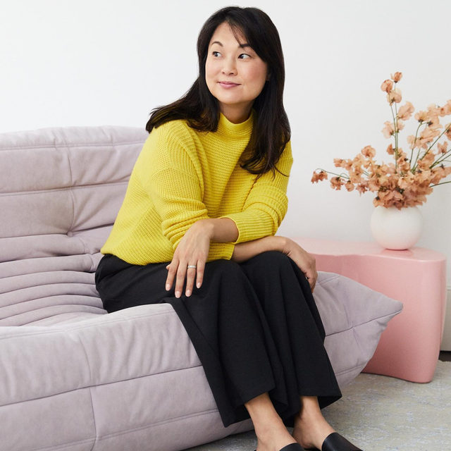 Interior designer @younghuh spoke with @nymag about the best advice she's ever received. Click the link in our bio to read more. Photo: @winniewow