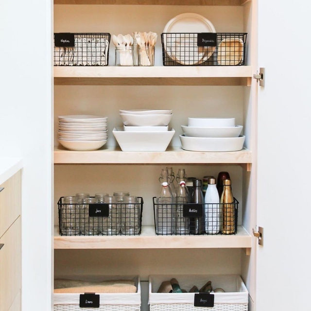 De-cluttering is about more than just ridding yourself of stuff. Sometimes it can feel really, really good. In a world where we often have little to no control, organization offers us an opportunity to create order and tranquility in our homes and our lives, says professional organizer @shiragill. And if your goal is simply to feel good, you don't need to overhaul your entire space: All you need to do is start.  Here are two things you can do right now:  1. Start small: Most people try to organize their entire home all at once—when that doesn't work, they get overwhelmed and give up. Start small. Tackle a closet, a surface, even a drawer.  2.  Find a place for everything: Consider the items you frequently lose or misplace. Assign each of these items a designated home. 📸: @clutterhealing