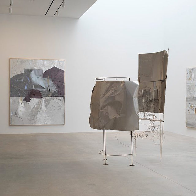 """#RudolfPolanszky:In the early 1990s, Rudolf Polanszky turned his attention to the formal potential of sculpture and mixed-media painting with the series """"Reconstructions"""" (1991–). To make these shimmering, richly textured works, he uses salvaged industrial materials such as acrylic glass, aluminum, mirrored foil, resin, silicone, and wire, recombining them into purely aesthetic forms divorced from their original contexts. Polanszky often leaves his raw materials outside, letting the elements help determine the work's final form.  Polanszky's """"Reconstructions"""" went on view earlier this month at Gagosian, 541 West 24th Street, New York, inaugurating the artist's representation by the gallery. Follow the link in our bio to learn more about Polansky's paintings and sculptures.  __________ #Gagosian  Installation views, """"Rudolf Polanszky,"""" Gagosian, 541 West 24th Street, New York, March 3–April 11, 2020 © Rudolf Polanszky. Photos: Rob McKeever"""